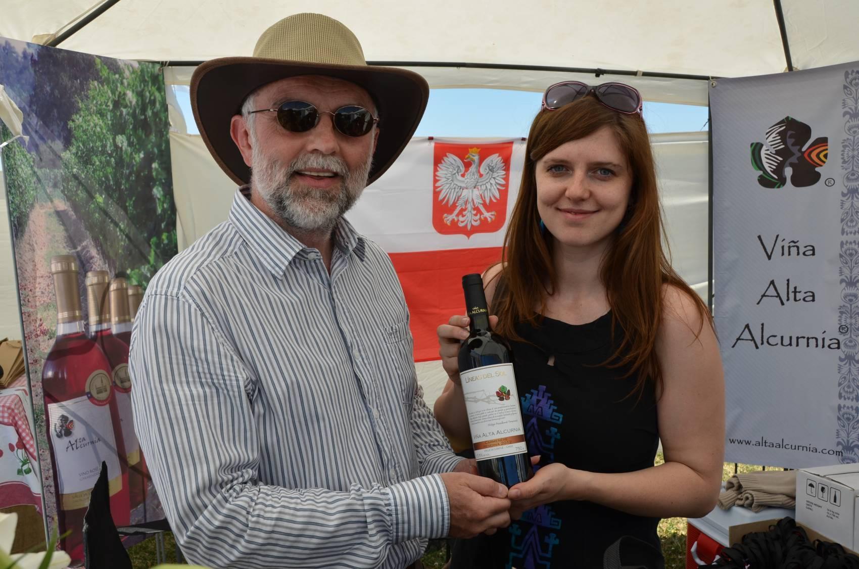 Jak obejsc 28 krajow w jeden dzien, pijac przy tym polskie wino z Chile