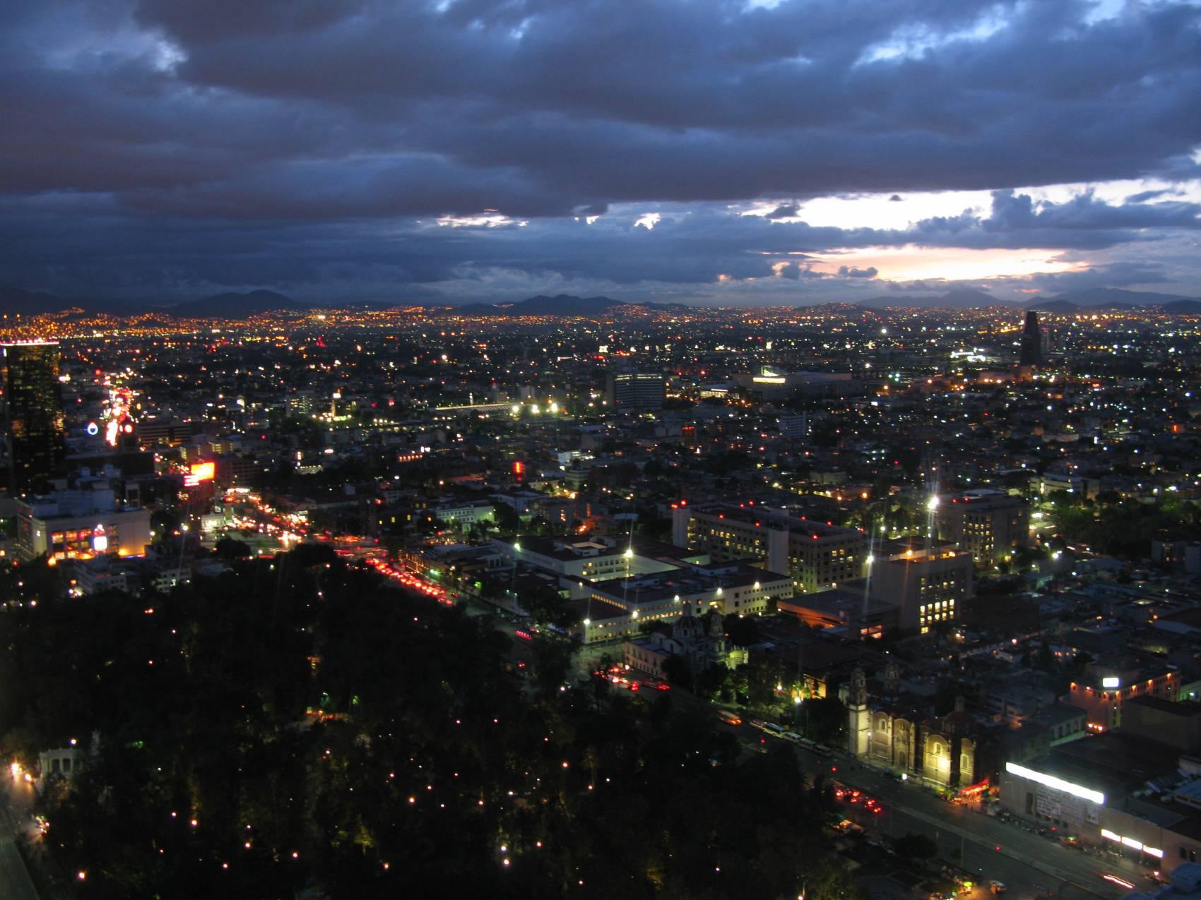 Miasto Meksyk – intrygujący gigant