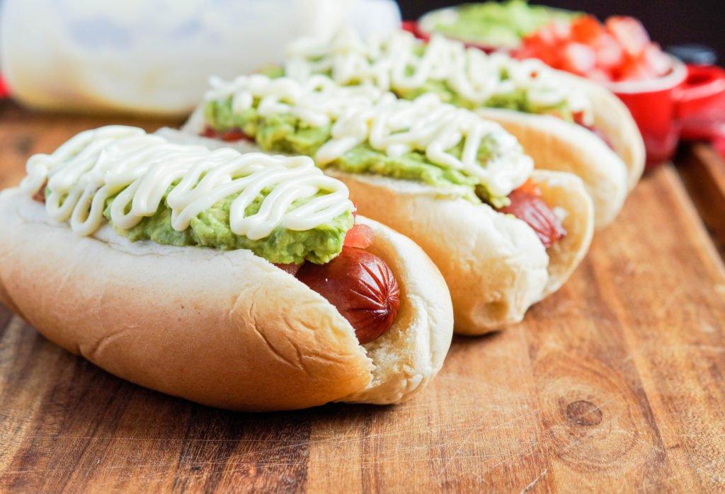 Kuchnia chilijska – hot dog z awokado [PRZEPIS]